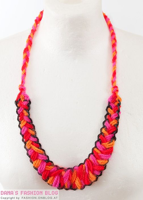 DIY Wool Necklace: knittedbliss.com