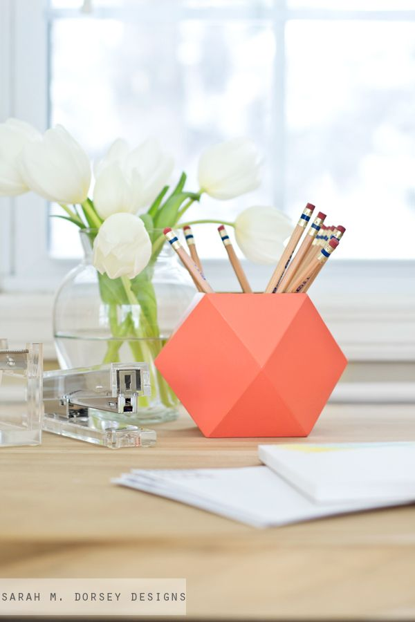 Pin Ups: DIY Geometric Holder| knittedbliss.com