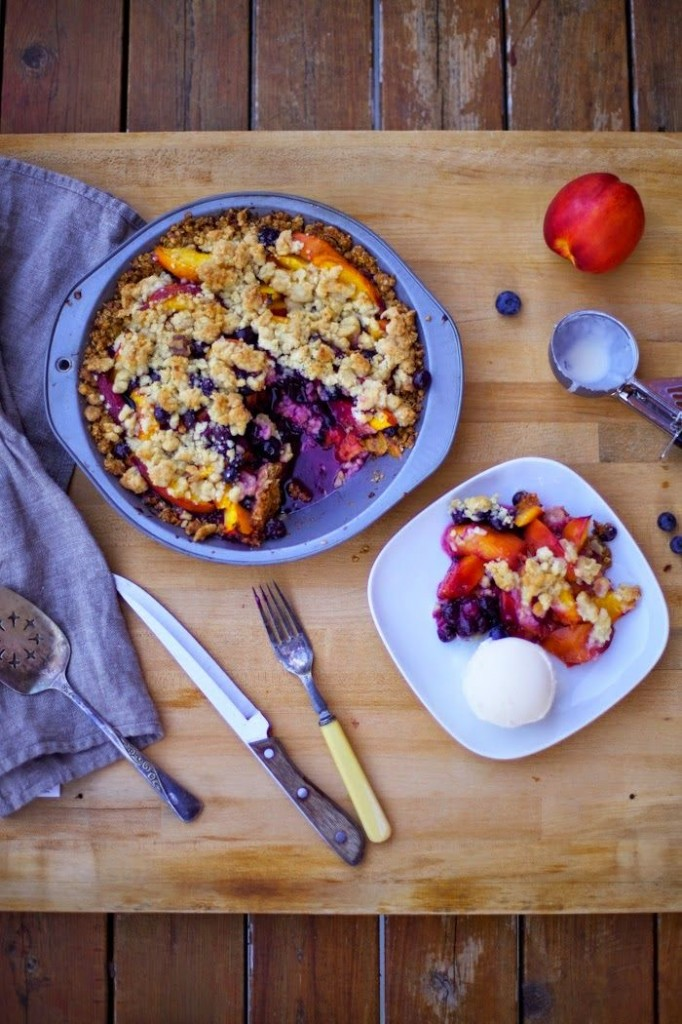 Pin Ups: Nectarine & blueberry Pie | knittedbliss.com