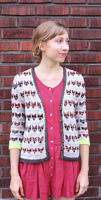 Modification Monday: Adult Fox Sweater | knittedbliss.com