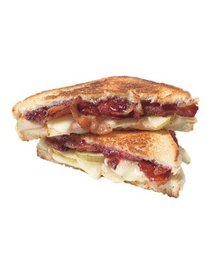 PIn Ups: Pear and Bacon Grilled Cheese| knittedbliss.com