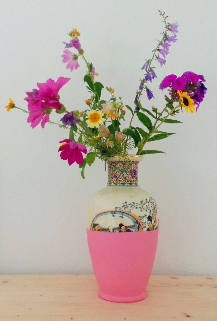 Pin Ups: Dip Dyed Vase| knittedbliss.com