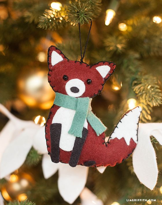 Pin Ups: Felt Fox Ornament | knittedbliss.com