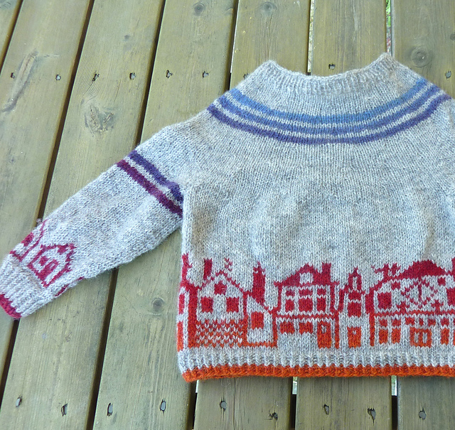 Modification Monday: City Pullover| knittedbliss.com