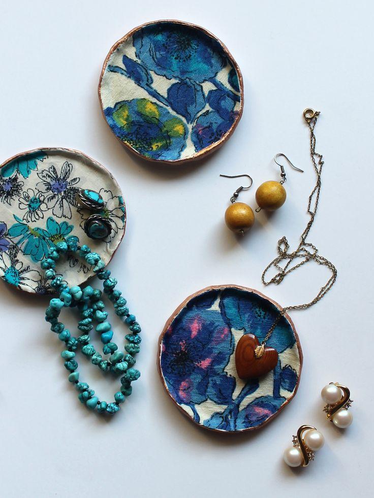 PIn Ups: Fabric Decoupage Bowls | knittedbliss.com
