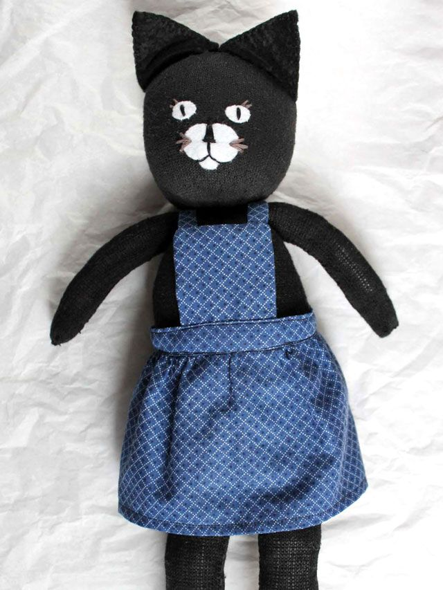 Pin Ups: DIY Cat doll toy | knittedbliss.com