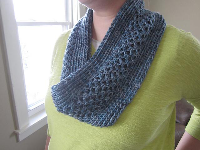 Modification Monday: Honey Stitch Cowl - Knitted Bliss