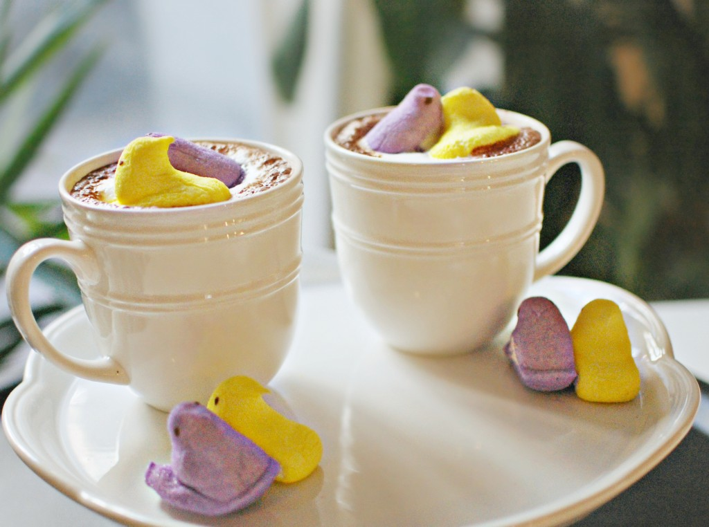 Easy Easter Hot Chocolate | knittedbliss.com