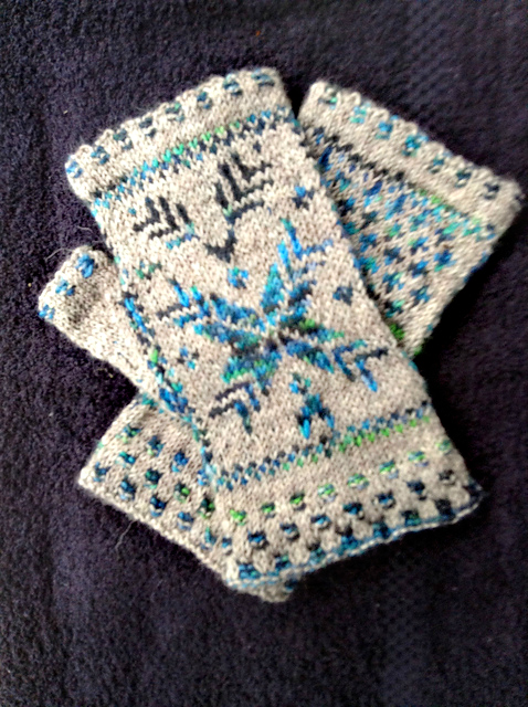 Modification Monday: Snow on Wheat Mittens | knittedbliss.com