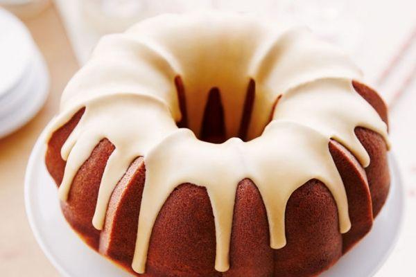 Pin Ups and Link Love: Maple Glazed Bundt Cake | knittedbliss.com