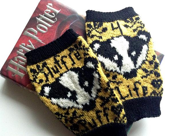 Modification Monday: Hufflepuff for Life | knittedbliss.com