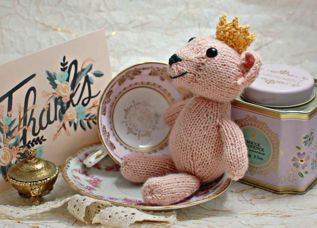 Blue Sky Alpacas Lisette Lion  | knittedbliss.com