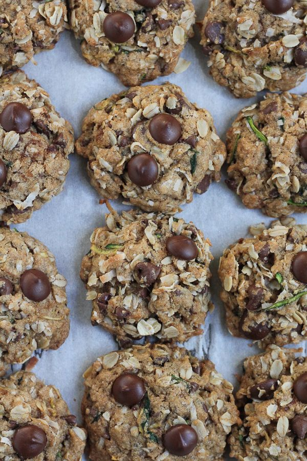 Pin Ups and Link Love: Zucchini Oatmeal Chocolate Chip Cookies | knittedbliss.com