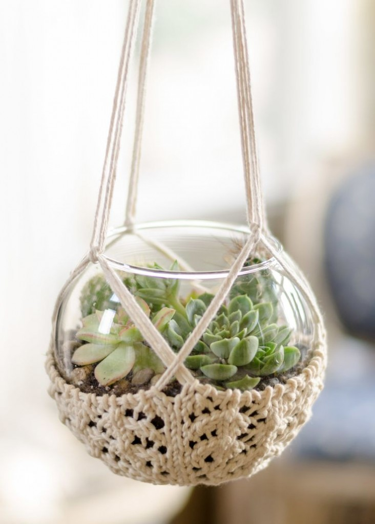 Pin Ups and Link Love: Knitted Plant Hanger | knittedbliss.com