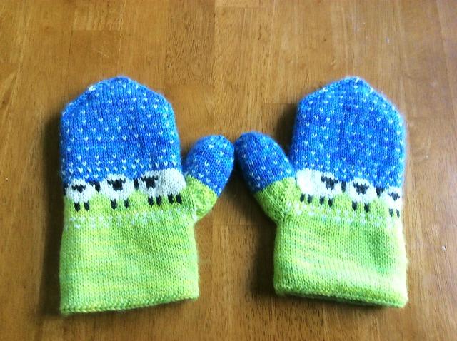 Modification Monday: Sheepy Mitts | knittedbliss.com